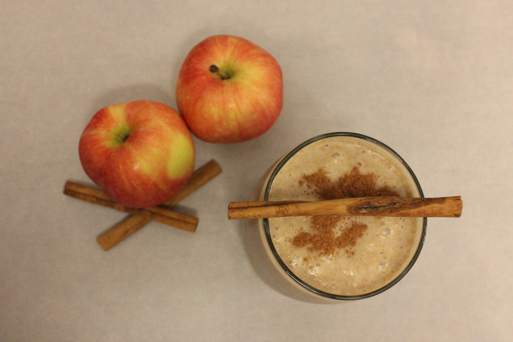 maca-apple-strudel-smoothie-2.jpg